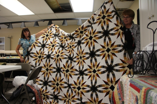 Gaye's has already made one of these quilts - isn't it beautiful - Asian fabrics
