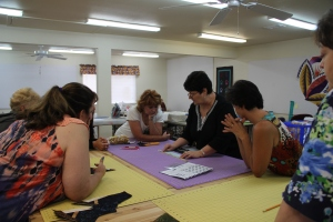 Linda shared how she makes a scalloped flange - (I am not sure I ever had there undivided attention like this!)